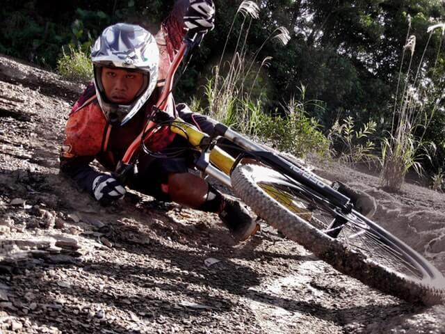 mountain biking safety gear